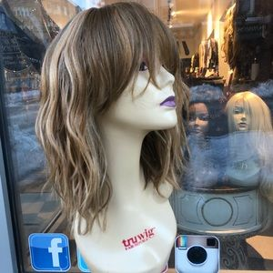 Accessories - Blonde mix bob bangs wavy hair blende
